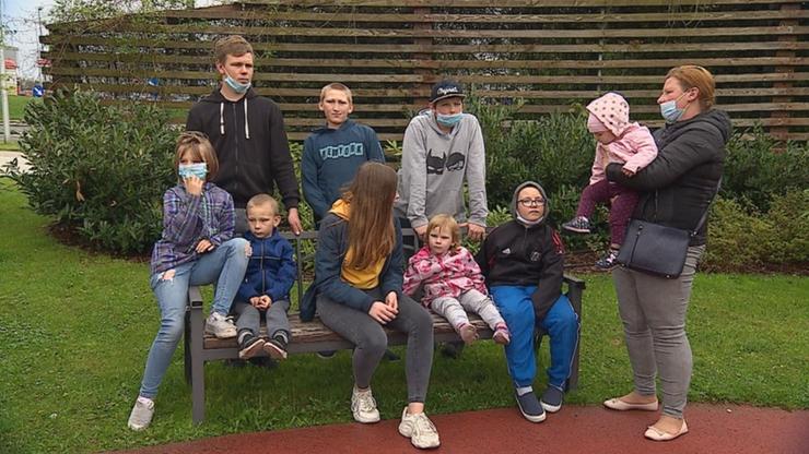 Matce zabrano dziewięcioro dzieci. Sąd zmienił decyzję, wrócą do domu