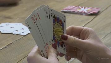 """Talia kart bez króla, królowej i waleta. """"Subtelne nierówności odgrywają dużą rolę"""""""